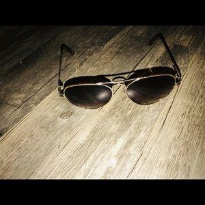 Juicy Couture sunglasses aviator